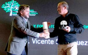 Vicente Rodríguez galardonado en los premios Nuñez de Prado